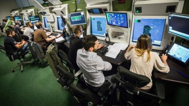 Kontrolerzy lotu pracują pod ciągłą presją