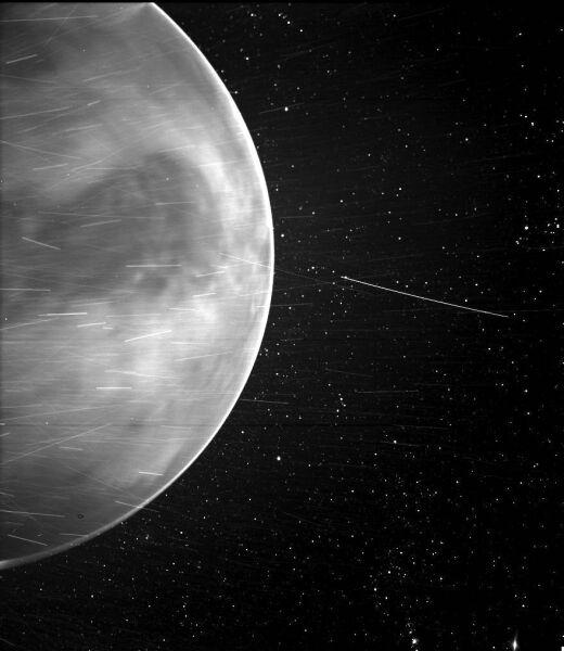 Zdjęcie Wenus wykonane przez sondę kosmiczną Parker Solar Probe (NASA/Johns Hopkins APL/Naval Research Laboratory/Guillermo Stenborg and Brendan Gallagher)