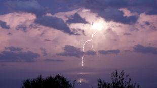Prognoza pogody na jutro: upalnie i burzowo. Miejscami może spaść grad