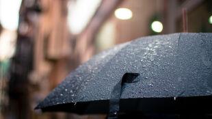 Prognoza pogody na jutro: rozległy niż znad Rosji. Ostatni dzień roku wietrzny i pełen opadów