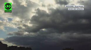 Chmury nadciągają nad Warszawę